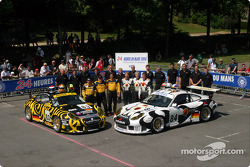 Team photo: Seikel Motorsport with drivers Anthony Burgess, Phil Collins, Andrew Bagnall, Gabrio Rosa, Peter van Mersteijn, Alex Caffi