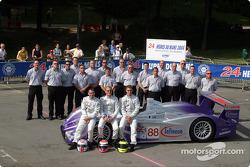 Team photo: Audi UK Team Veloqx with drivers Jamie Davies, Guy Smith, Johnny Herbert