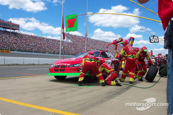 Pitstop for Jeremy Mayfield