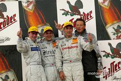 Podium: race winner Gary Paffett with Christijan Albers and Bernd Schneider