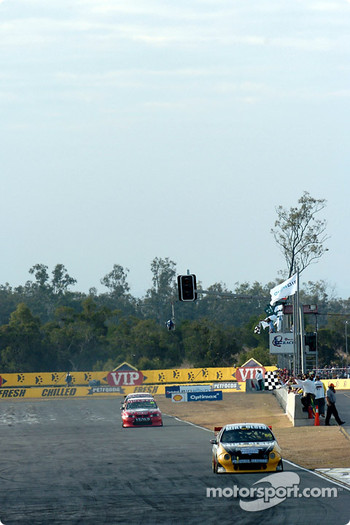 Kurt Wimmer takes the chequered flag