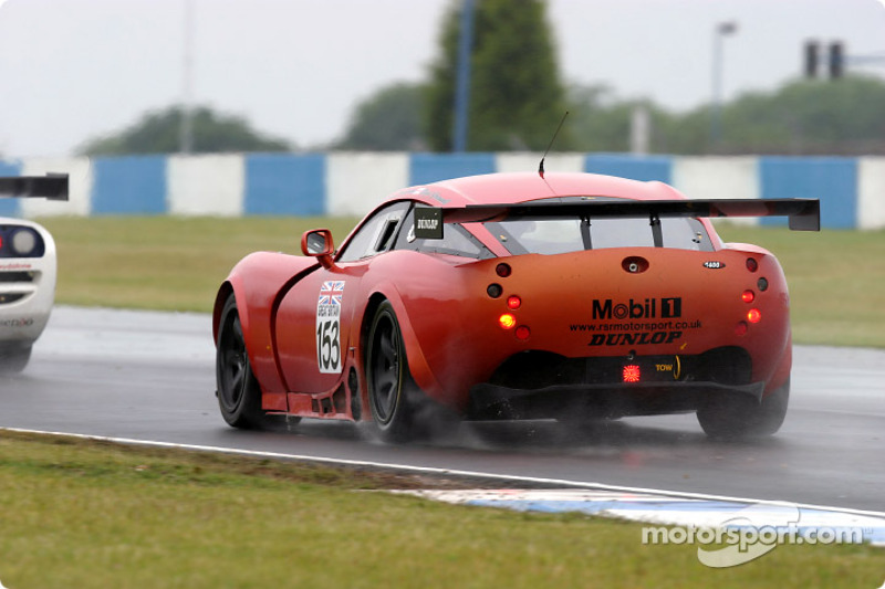 #153 RSR Racing TVR Tuscan T400R: Laurence Tomlinson, Nigel Greensall