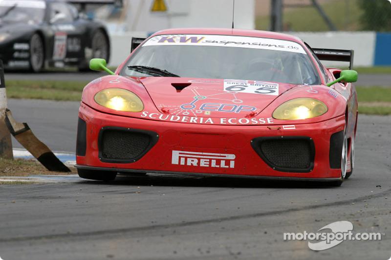 #65 Scuderia Ecosse Ferrari 360 Modena: Andrew Kirkaldy, Nathan Kinch