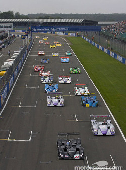 Start: #22 Zytek Engineering Zytek O4S: Robbie Kerr, Chris Dyson takes the lead