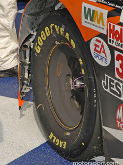 Tony Stewart brake dust on the wheel