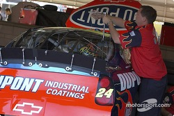 Jeff Gordon's team sets up the #24