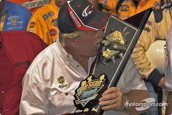 Victory lane: Robert Yates want to take a bite at a pop corn