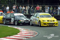Colin Turkington pushes Jason Plato