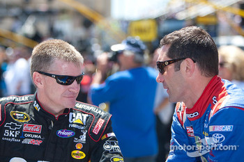 Clint Bowyer, Richard Childress Racing Chevrolet and Max Papis, Germain Racing Toyota