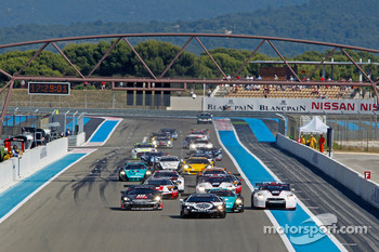 Start: #24 Reiter Lamborghini Murcielago R: Peter Kox, Christopher Haase leads the field