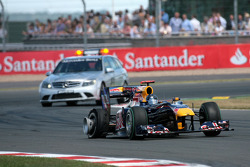 Sebastian Vettel, Red Bull Racing with a puncture