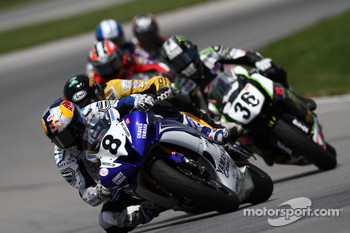 #8 Team Graves Yamaha - Yamaha YZF-R6: Josh Herrin takes the lead