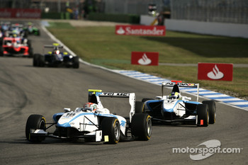 Pablo Sanchez Lopez leads Felipe Guimaraes
