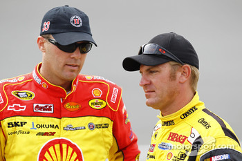 Kevin Harvick, Richard Childress Racing Chevrolet and Clint Bowyer, Richard Childress Racing Chevrolet