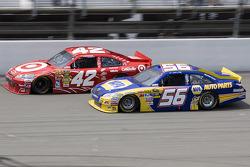 Martin Truex Jr., Michael Waltrip Racing Toyota, Juan Pablo Montoya, Earnhardt Ganassi Racing Chevrolet