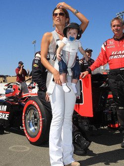Helio Castroneves' girlfriend Adriana Henao and daughter, Mikaella