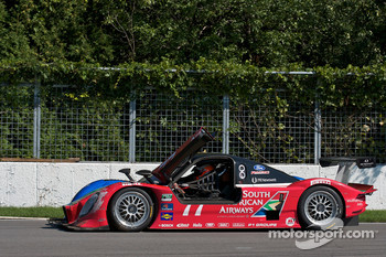 #77 Doran Racing Ford Dallara: Mark Patterson, Dion von Moltke after his crash in the tire wall