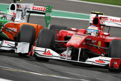 Fernando Alonso, Scuderia Ferrari and Vitantonio Liuzzi, Force India F1 Team