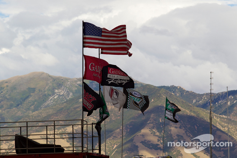 GAINSCO/ Bob Stallings Racing flags
