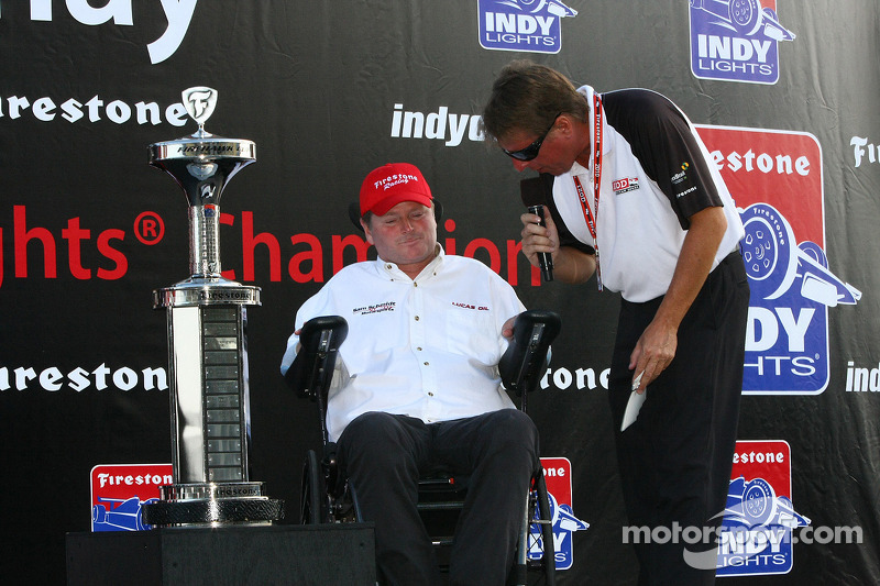 Champion team owner Sam Schmidt