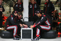 Timo Glock, Virgin Racing and Lucas di Grassi, Virgin Racing playing poker
