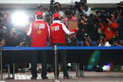 Fernando Alonso, Scuderia Ferrari, Felipe Massa, Scuderia Ferrari, hand printing session