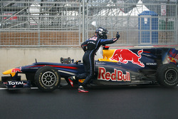 Sebastian Vettel, Red Bull Racing had his engine blew up