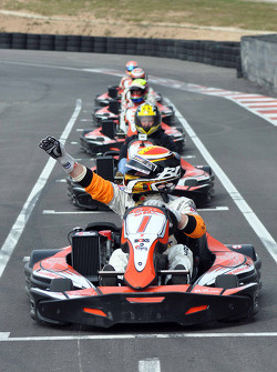 GT1 Karting in Navarra: Bert Longin on pole for race 1