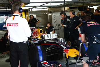 Pirelli staff with Sebastian Vettel, Red Bull Racing