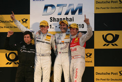 Podium: race winner Gary Paffett, Team HWA AMG Mercedes, second place Paul di Resta, Team HWA AMG Mercedes, third place Timo Scheider, Audi Sport Team Abt