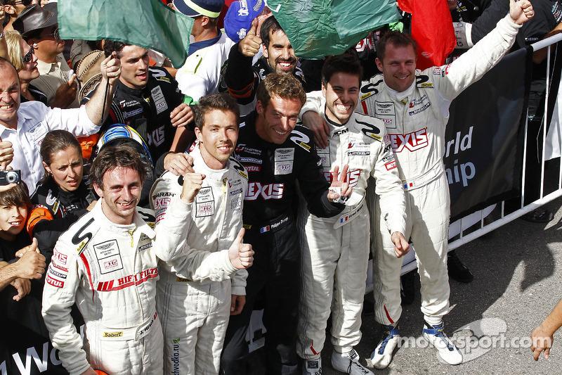 Race winners Frédéric Makowiecki and Yann Clairay, third place Clivio Piccione and Jonathan Hirschi