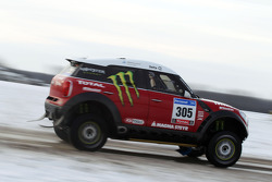 Team X-raid: Guerlain Chicherit and Michel Périn test the Mini All4 Racing