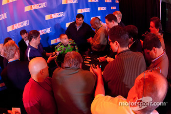 Mark Martin, Hendrick Motorsports Chevrolet, media attention