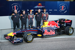 Rob Marshall Red Bull Racing Chief Designer; Christian Horner Red Bull Racing Team Principal; Sebastian Vettel Red Bull Racing; Adrian Newey Red Bull Racing Chief Technical Officer and Mark Webber Red Bull Racing
