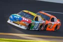 Kyle Busch, Joe Gibbs Racing Toyota and Robby Gordon, Robby Gordon Motorsport Dodge