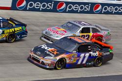 Denny Hamlin, Joe Gibbs Racing Toyota and Brian Vickers, Red Bull Racing Team Toyota
