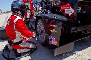 Pit stop for #055 Level 5 Motorsports Lola Honda: Scott Tucker, Ryan Hunter-Reay, Luis Diaz
