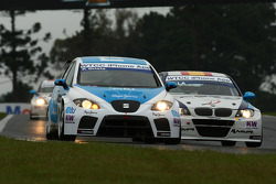 Pepe Oriola, SEAT Leon 2.0 TDI, SUNRED and Javier Villa, BMW 320 TC, Proteam Racing
