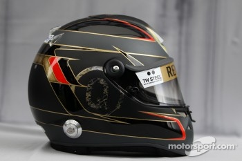 Helmet of Nick Heidfeld, Lotus Renault F1 Team