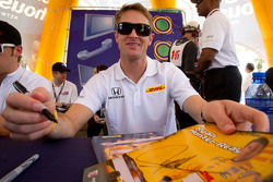 Autograph session: Ryan Hunter-Reay, Andretti Autosport