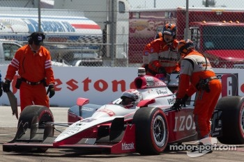 Ryan Briscoe, Team Penske after the start crash