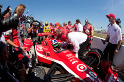 Race winner Dario Franchitti, Target Chip Ganassi Racing celebrates with Chip Ganassi