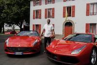 Prodotto Foto - Kobe Bryant alla Ferrari