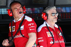 Jock Clear, Ferrari Engineering Director with Maurizio Arrivabene, Ferrari Team Principal