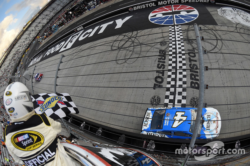 Bristol: Kevin Harvick (Stewart/Haas-Chevrolet)