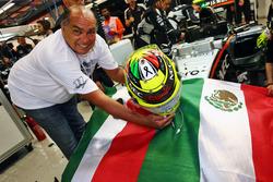 Antonio Perez, father of Sergio Perez, Sahara Force India F1 Team