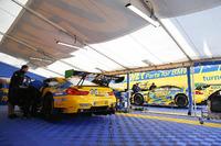 IMSA Foto - #96 Turner Motorsport BMW M6 GT3: Bret Curtis, Jens Klingmann, Ashley Freiberg, #97 Turner Motorsport BMW M6 GT3: Michael Marsal, Markus Palttala, Cameron Lawrence