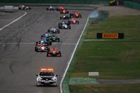 Formula Renault Photos - Pace lap