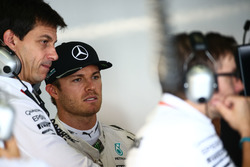 Nico Rosberg, Mercedes AMG F1 with Toto Wolff, Mercedes AMG F1 Shareholder and Executive Director