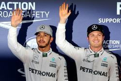 Polesitter Nico Rosberg, Mercedes AMG F1; 2. Lewis Hamilton, Mercedes AMG F1